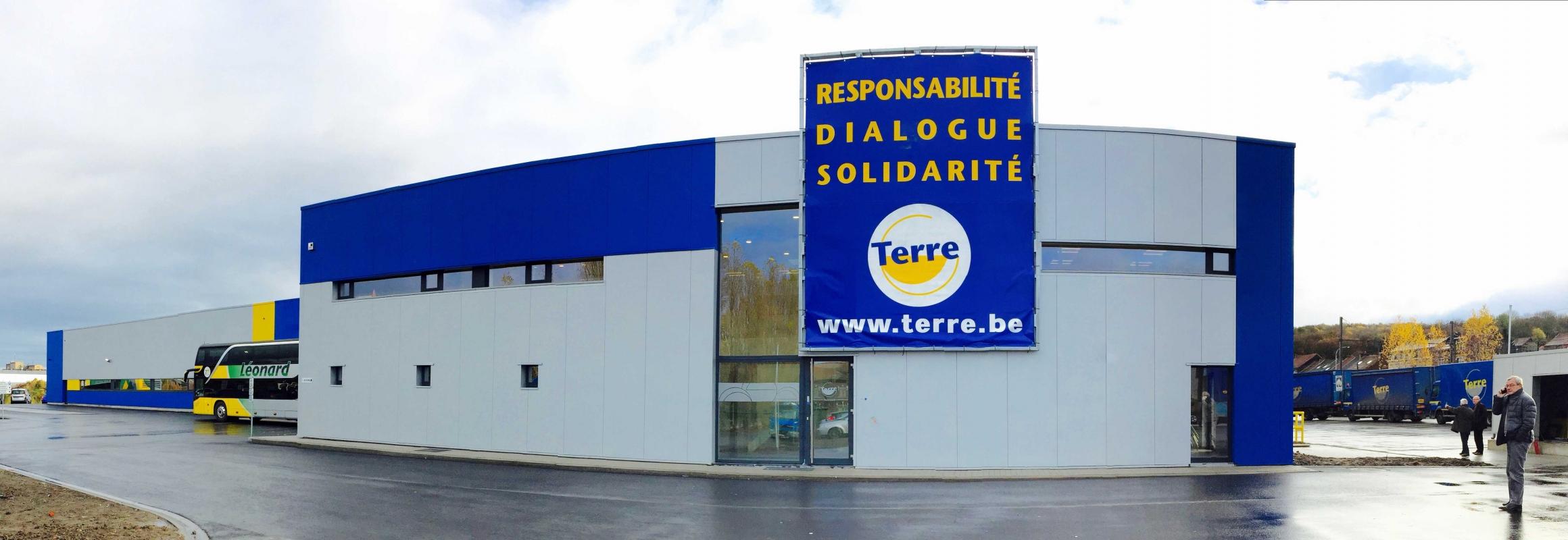Industriële Hall in Couillet